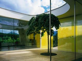 Haus F Moderner Balkon, Veranda & Terrasse von Architekt Daniel Fügenschuh ZT GMBH Modern