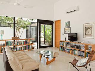 Gonzalez Amaro Living room
