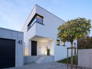 Einfamilienhaus KN08 auf dem Schurwald:  Häuser von Schiller Architektur BDA