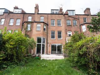 Muswell Hill クラシカルな 家 の Goldsmith Architects クラシック