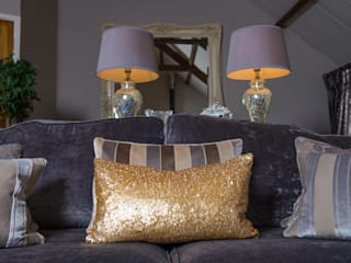 A Temporary Home - Converted Barn: classic  by Heather Interior Design, Classic