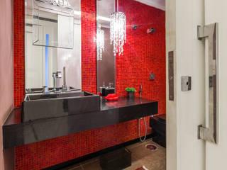 Apartamento na Mooca Banheiros clássicos por Enzo Sobocinski Arquitetura & Interiores Clássico