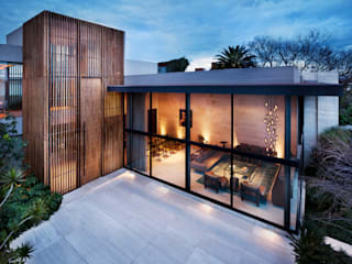 Case moderne di C Cúbica Arquitectos Moderno