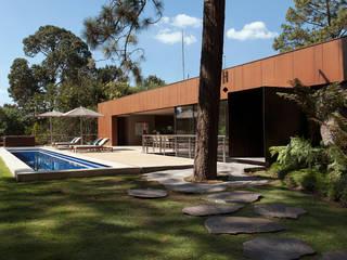 Casas de estilo moderno por Vieyra Arquitectos