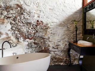 Banheiros  por Sapphire Spaces