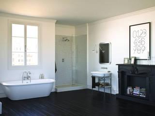 Bagno Notting Hill: Bagno in stile in stile Moderno di Mamoli Rubinetteria