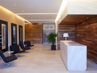 Moderner Flur, Diele & Treppenhaus von Grupo Nodus Arquitectos Modern