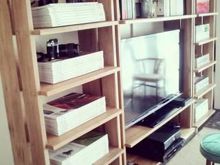 Houses by PLUMA · muebles y proyectos ·, Scandinavian