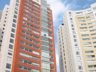 Moderne Häuser von Grupo Nodus Arquitectos Modern
