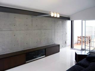 千里山のコートハウス: 松田靖弘建築設計室が手掛けたです。