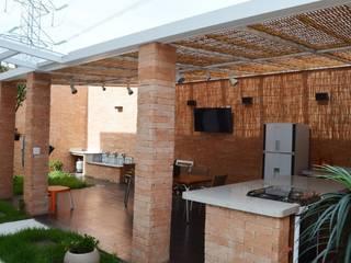 Área de Lazer na Vila Fiat Lux, em São Paulo: Terraços  por Vitor Dias Arquitetura,