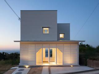 南側外観: IZUE architect & associatesが手掛けた家です。