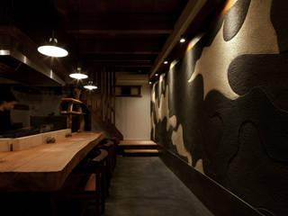 아시아스타일 벽지 & 바닥 by IZUE architect & associates 한옥 솔리드 우드 멀티 컬러