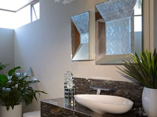 Modern style bathrooms by homify Modern Granite