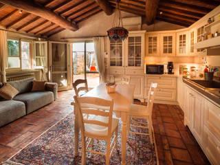 STILE TOSCANO Cucina in stile classico di Studio fotografico di David Butali Classico
