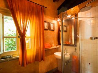 Salle de bain classique par Studio fotografico di David Butali Classique