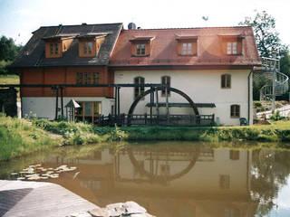 Fassade: landhausstil Häuser von Architekturbüro Martin Raffelt