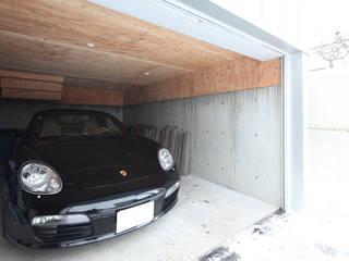 株式会社コウド一級建築士事務所 Modern Garage and Shed