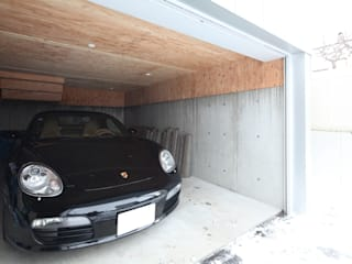 +Garage: 株式会社コウド一級建築士事務所が手掛けたガレージです。