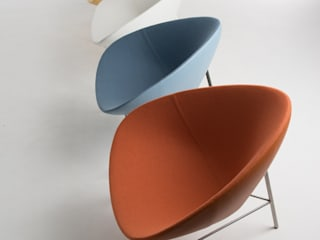 Zuk. Lounge Chair: minimalist  by David Fox Design Ltd, Minimalist