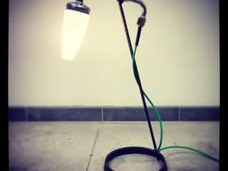 Des Lampes en Acier Bois et objets de recup récup-éclaire (Thibaut Richard) ChambreEclairage