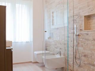 Semplicemente Legno Minimalist style bathroom Wood