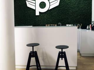Zolnik Pracownia Pasillos, vestíbulos y escaleras minimalistas