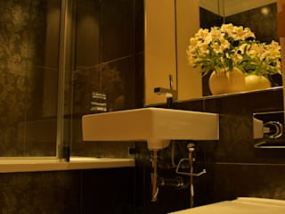 St Katherine Docks Bathrooms Classic style bathroom by Refurb It All Classic