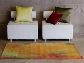 Reevèr One Home Pasillos, vestíbulos y escaleras de estilo moderno Naranja