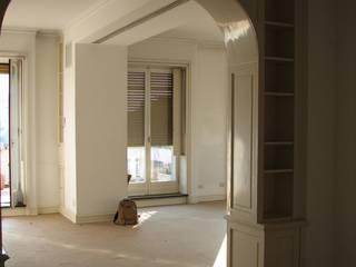 Living room by ARCHITETTO MARIANTONIETTA CANEPA