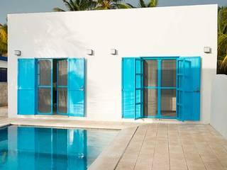 Бассейн в средиземноморском стиле от Arq Mobil Средиземноморский