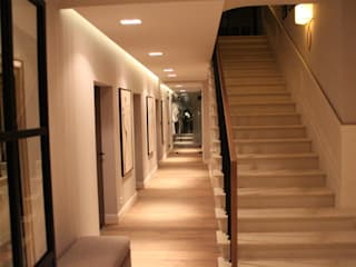 Comfort & Style Interiors Corridor, hallway & stairsAccessories & decoration