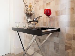 Apartamento Itaim : Corredores e halls de entrada  por Arquitetura Juliana Fabrizzi