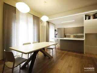 CASA IN CITTA' Cucina moderna di Luca Mancini | Architetto Moderno