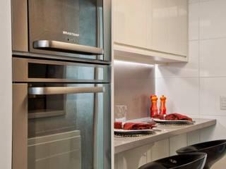 Кухни в . Автор – karen feldman arquitetos associados, Минимализм
