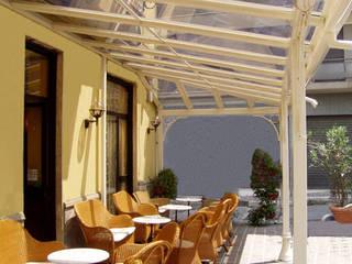 veranda per CAFFETTERIA: Negozi & Locali Commerciali in stile  di Cagis
