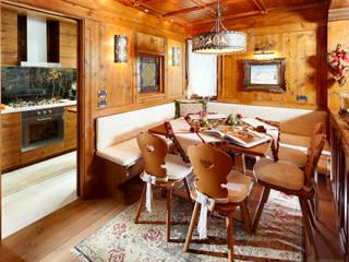 Zona pranzo:  in stile  di Ambra Piccin Architetto
