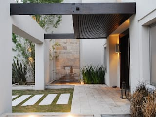 房子 by JUNOR ARQUITECTOS