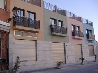 En marcha Casas de estilo mediterráneo de Estudio de arquitectura Galarza Mediterráneo