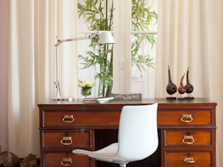 Ruang Studi/Kantor Klasik Oleh LAVRADIO DESIGN Klasik