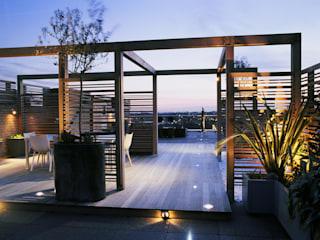 A city roof terrace, Hampstead Modern Terrace by Bowles & Wyer Modern