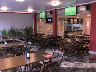 Bar - Taguatinga/DF Bares e clubes modernos por Donakaza Moderno