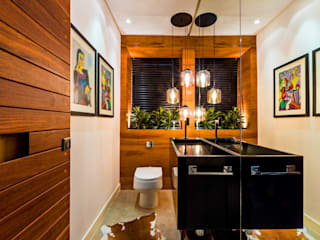 modern Bathroom by IE Arquitetura + Interiores