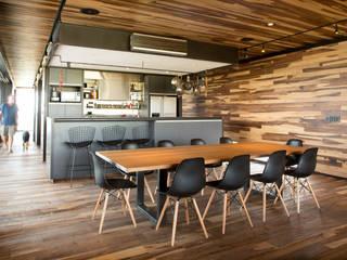 Salas de jantar modernas por A4estudio