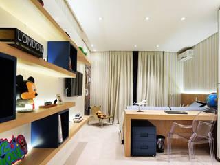 Arquitetura e Interiores: Quarto infantil  por BRENO SANTIAGO ARQUITETURA E INTERIORES