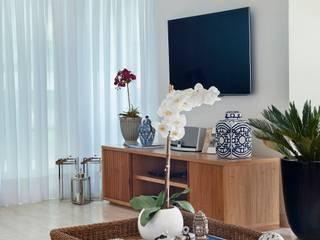Livings de estilo  por Froma Arquitetura, Tropical