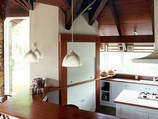 Кухни в . Автор – Finkelstein Arquitetos,