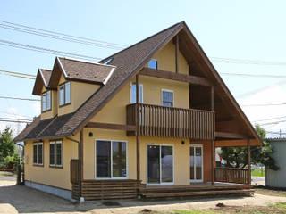 Дома в стиле кантри от 株式会社アートカフェ Кантри
