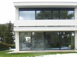 Haus D: minimalistische Häuser von Studio Berner.Stolz Architekten ZT-OG