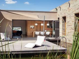 Solarlux GmbH Балкони, веранди & тераси Меблі Алюміній / цинк